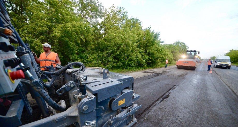 По словам министра транспорта Подмосковья, дорожные ремонтные работы проводятся в регионе в соответствии с графиком (фото: Росавтодор)