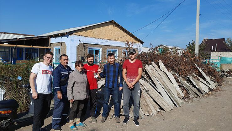Шарийцы помогли жителям Великой Александровки - фото