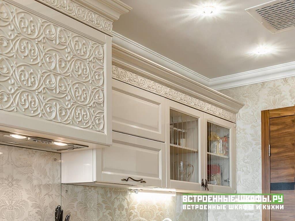 Кухня сделанная на заказ с фасадами МДФ эмаль с фрезировкой