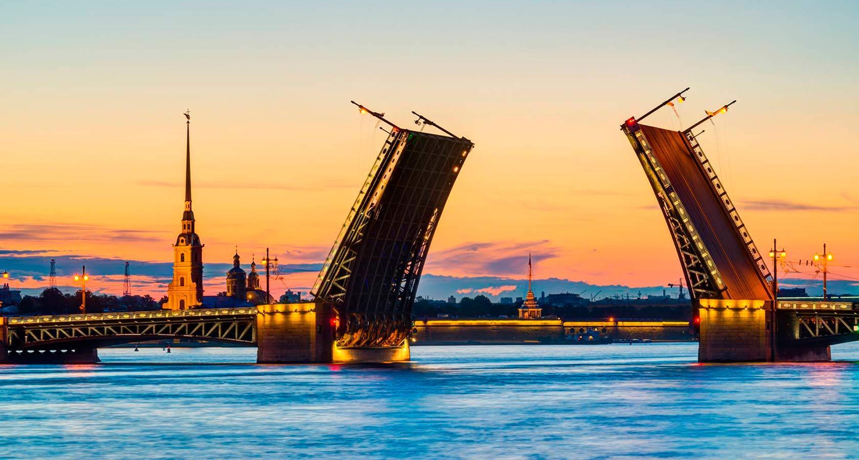 Main tourist attractions in Saint Petersburg Russia ...