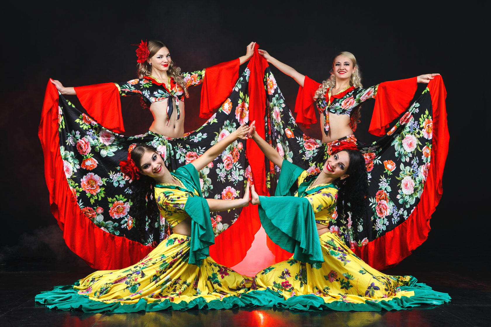 Картинки цыганка в танце