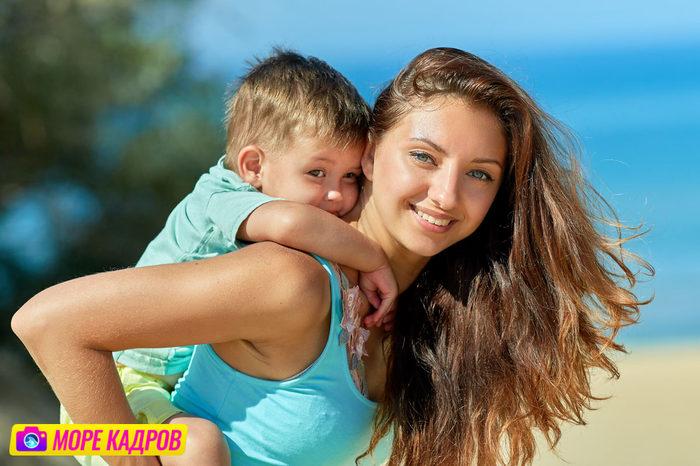 профессиональная фотосессия для девушки в лавандовом поле в Крыму