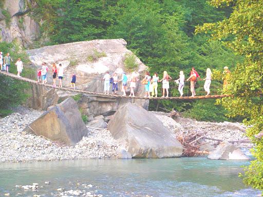 Тур в Изумрудную долину реки Аше