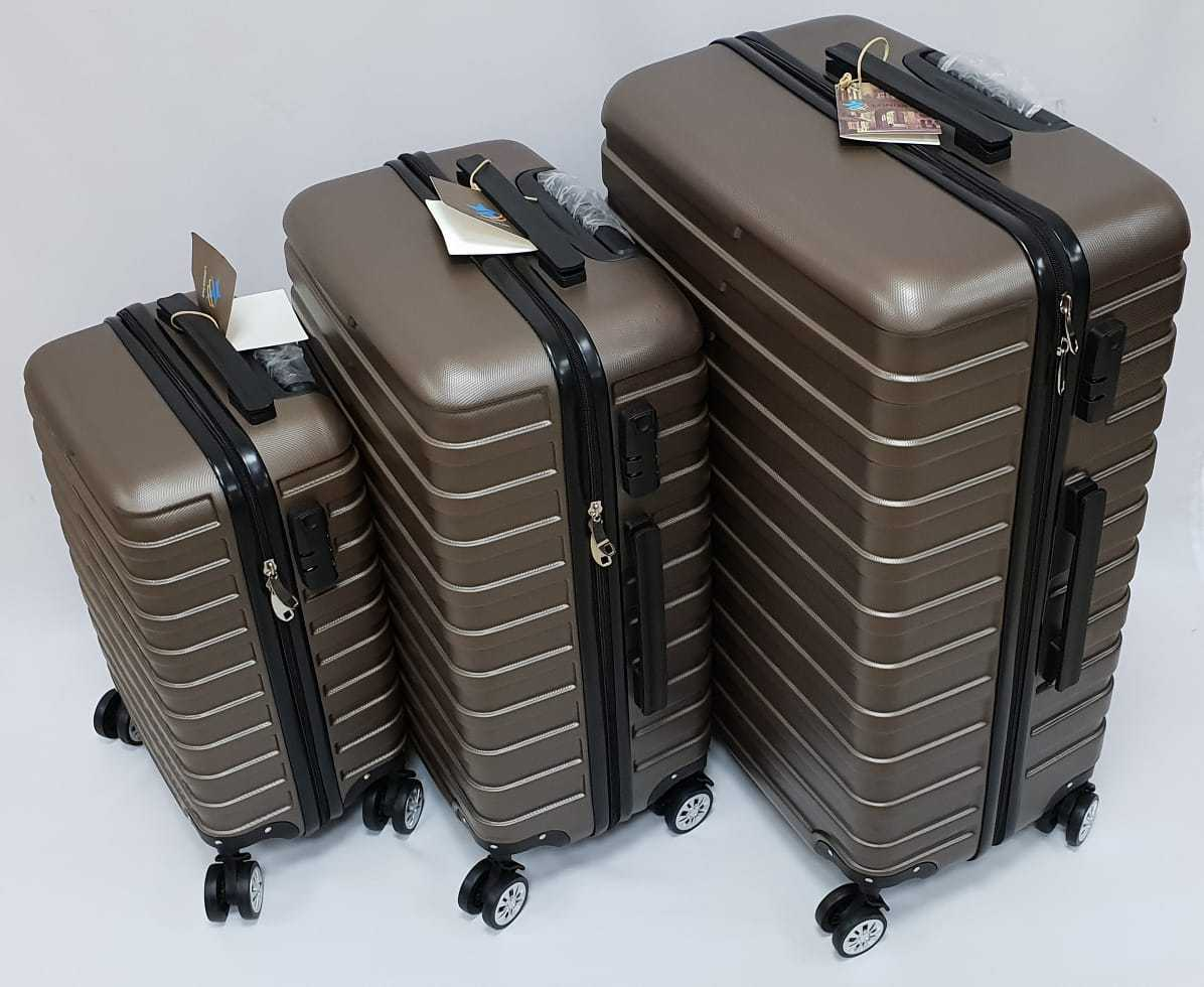 Картинка много чемоданов