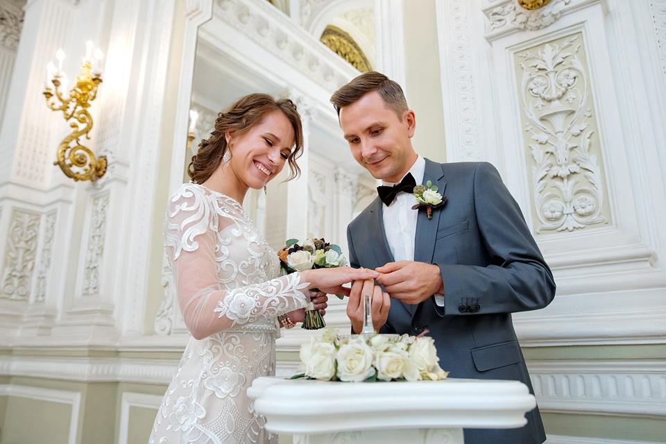 Свадебные букеты при загсе на английской набережной, букеты смоленск 101