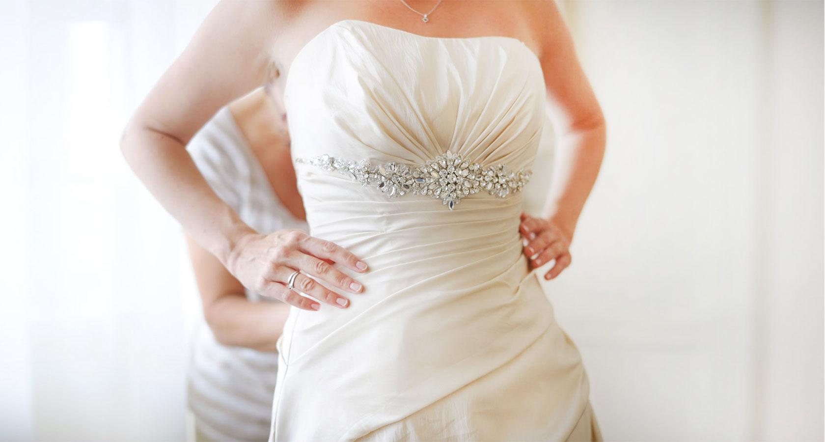 Работа в москве моделью свадебных платьев подарок девушке ручная работа
