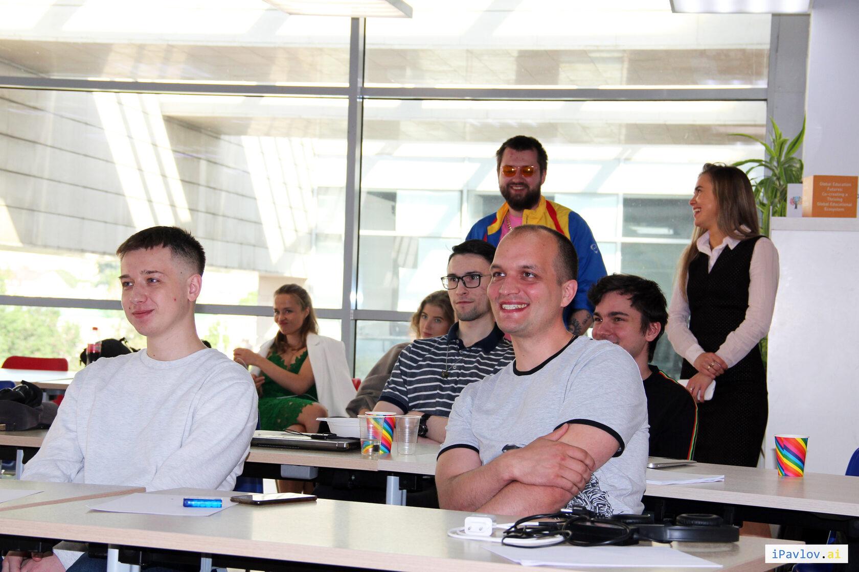фотография команды с первой летней стратегической сессии iPavlov