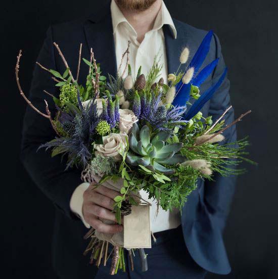Цветы в мужской букеты, для