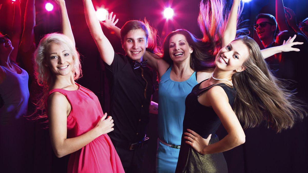 Вечеринка молодых студентов, только фото волосатых кисок