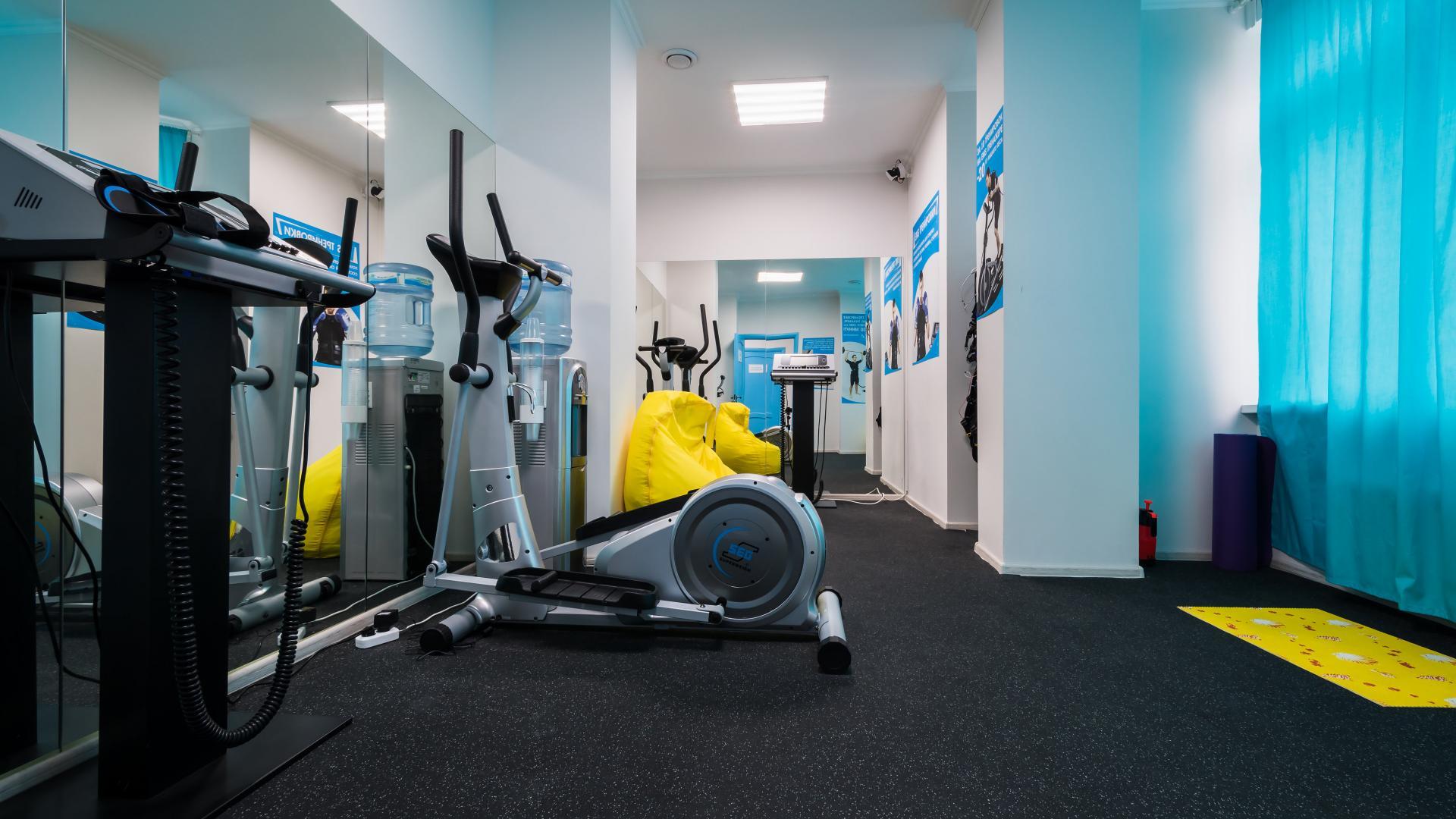 Сотрудники фитнес центра создают все условия для того, чтобы занятия спортом приносили посетителям не только пользу, но и удовольствие.