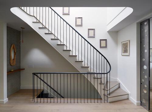 Лестница таунхауса - ключевой элемент планирования