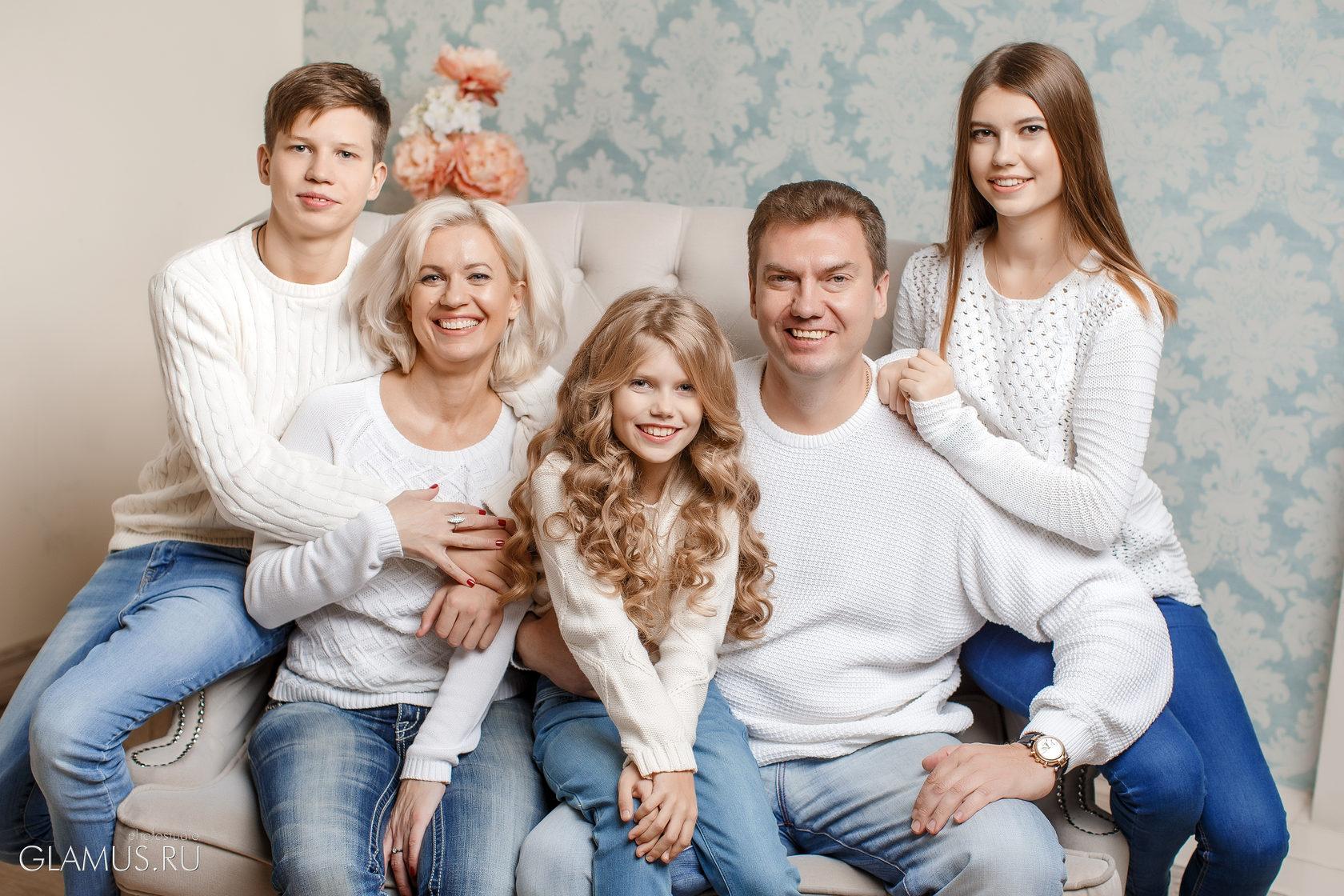 оформления студийные фото семьи краснодар вопрос, что все