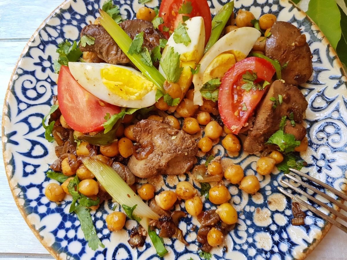 Салат из нута и печени. ПП. Израильская кухня.