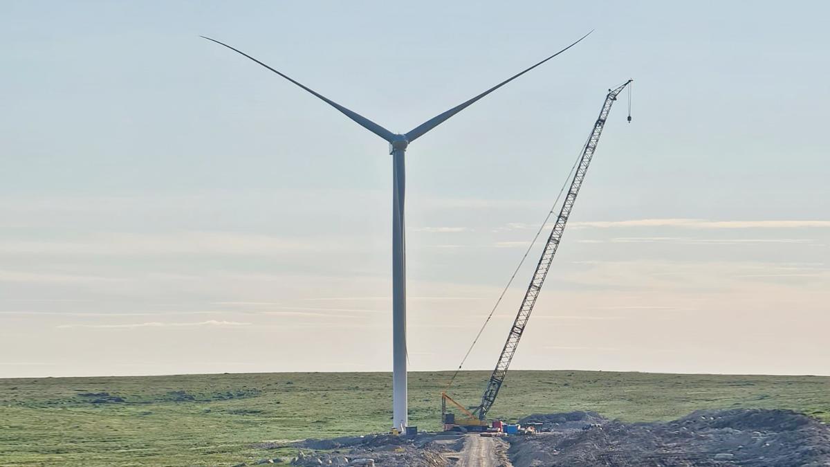 На Кольской ВЭС возведены 10 ветроустановок