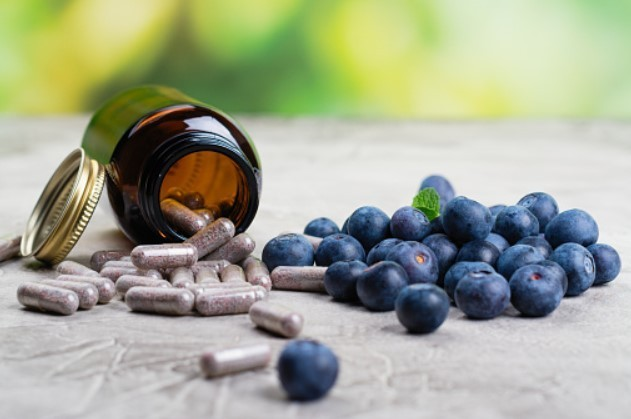В плодах голубики содержится спектр витаминов который способен заменить аптечные витамины