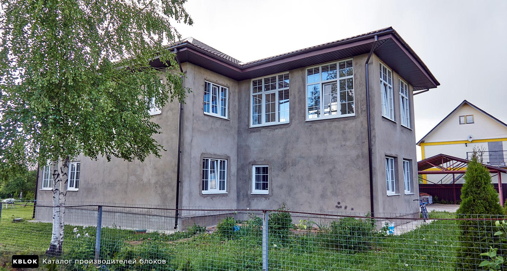 оштукатуренный дом из арболита
