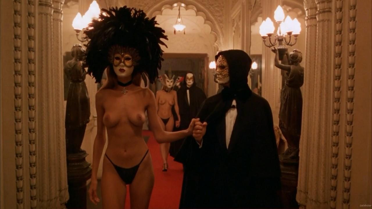 фильм сексуальный ритуал в масках касается