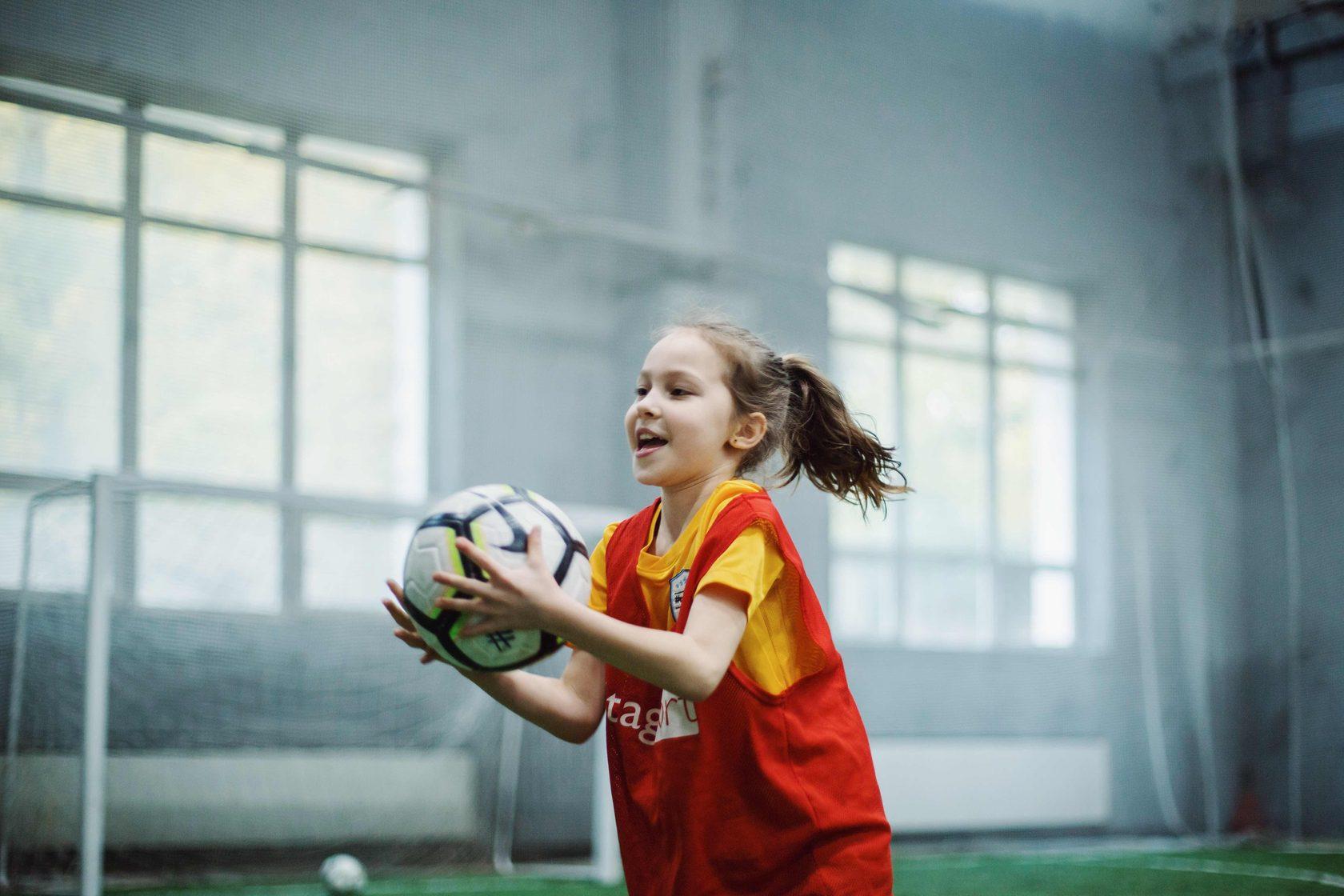 c67536d2 One-Two Play — бесплатные футбольные тренировки для детей