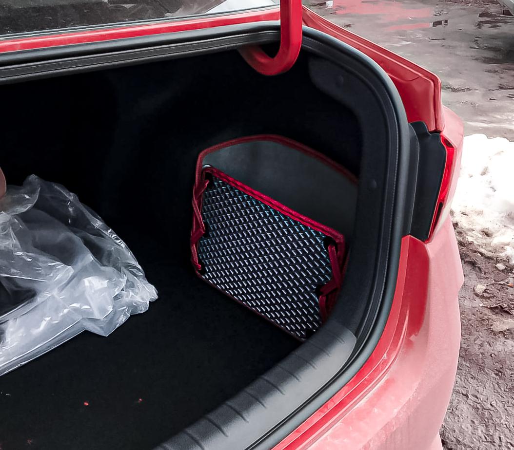 Саквояж (органайзер) в боковую нишу багажника автомобиля из ЕВА материала