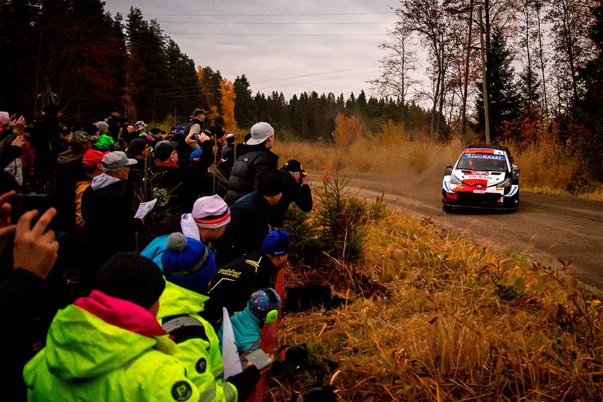 Такамото Кацута и Аарон Джонстон, Toyota Yaris WRC, ралли Финляндия 2021