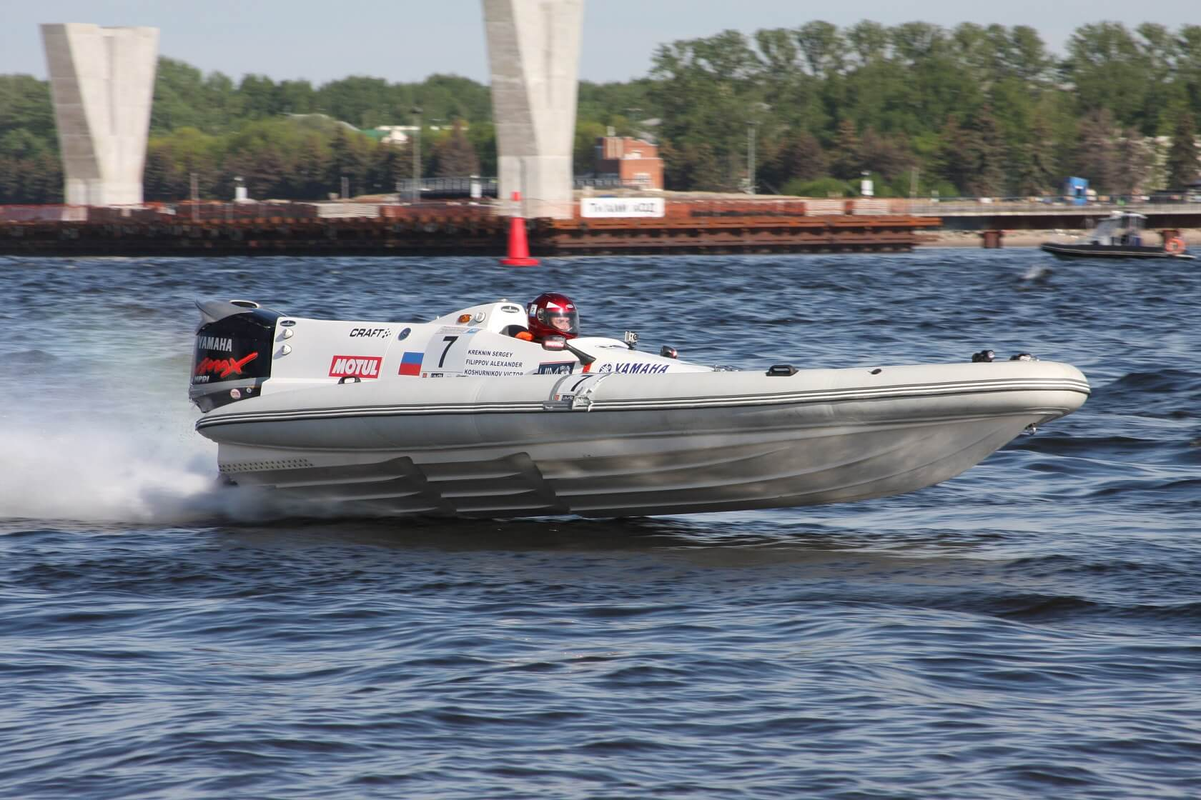 скоростной катер, моторная лодка