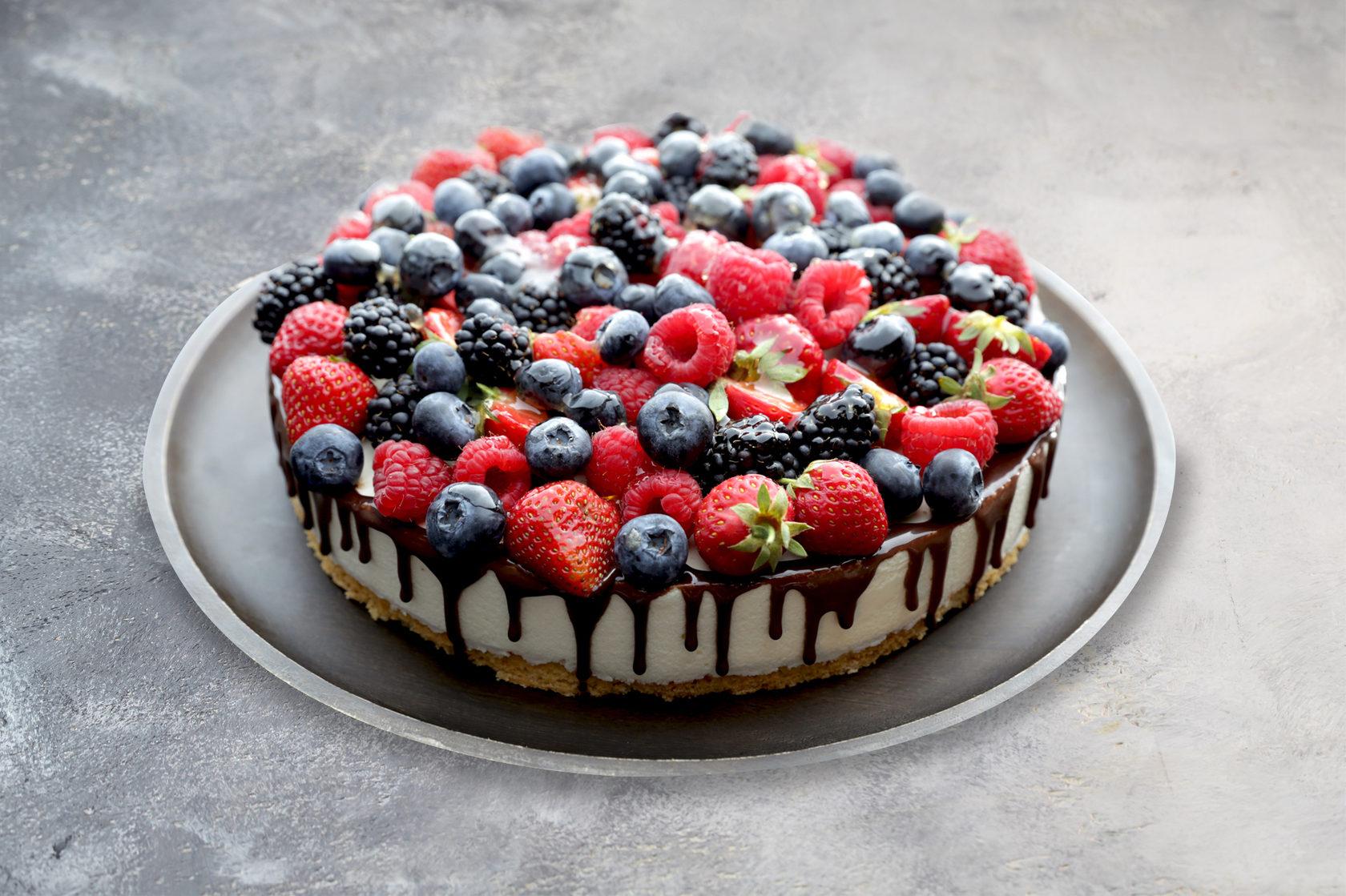 там фото рецепт бисквитного торта с ягодами художник-граффити черной
