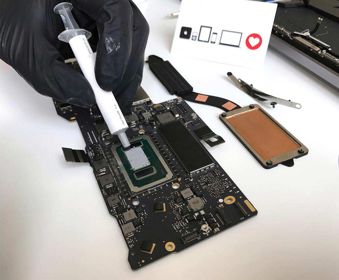чистка и замена термопасты macbook