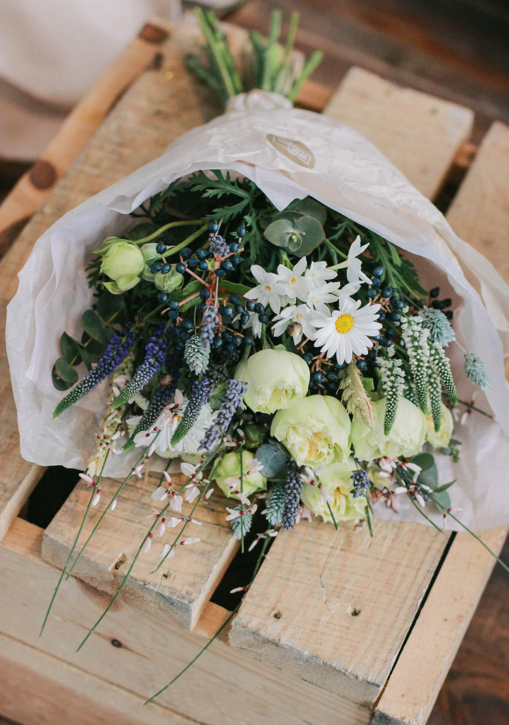 Срочная ночная доставка цветов новосибирск, букет белых роз купить москва