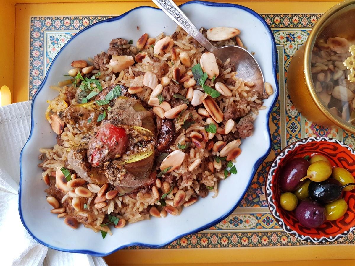 Мансаф – рис с бараниной, орехами и бахаратом. Фото рецепт. Вкусный Израиль.