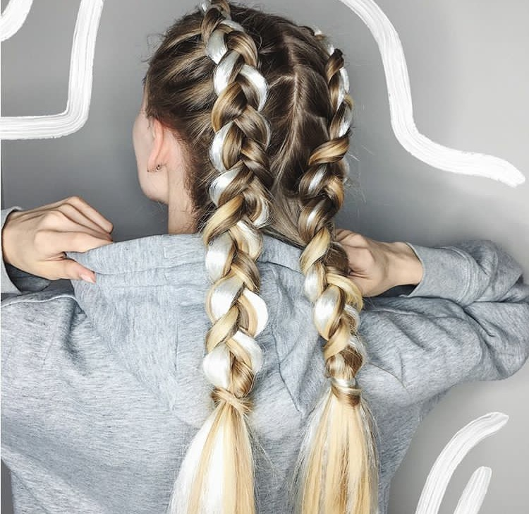 Плетение разноцветных кос