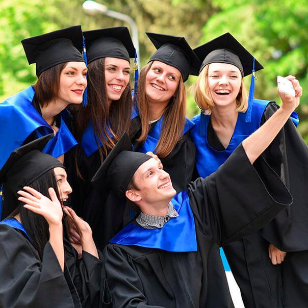 Студенты в мантиях картинки