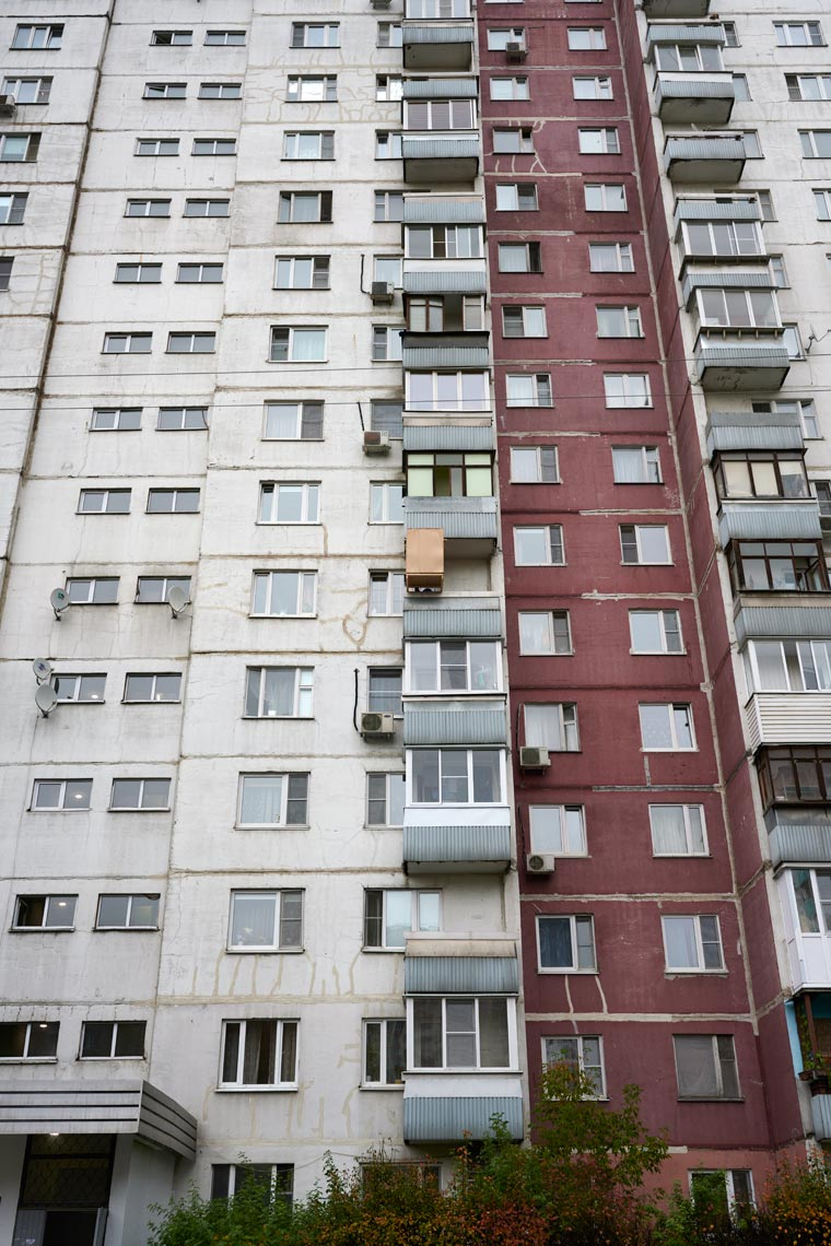 Сукка на 6-м этаже многоэтажки. Фото Koldunova + Klyosov