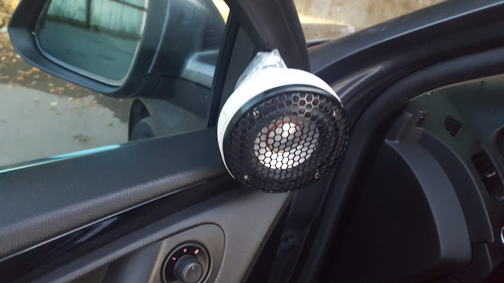 audiosystem ae30 в уголках зеркал