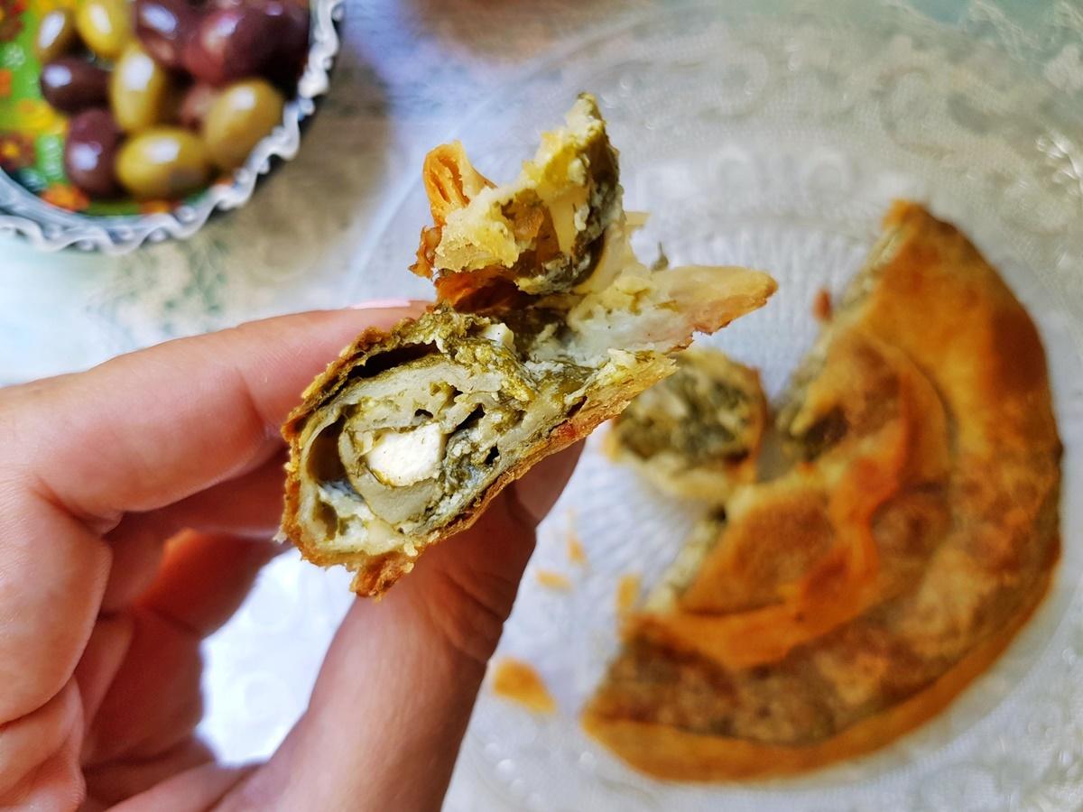 Пирог улитка с сыром и шпинатом. Вытяжное тесто - фото рецепт.