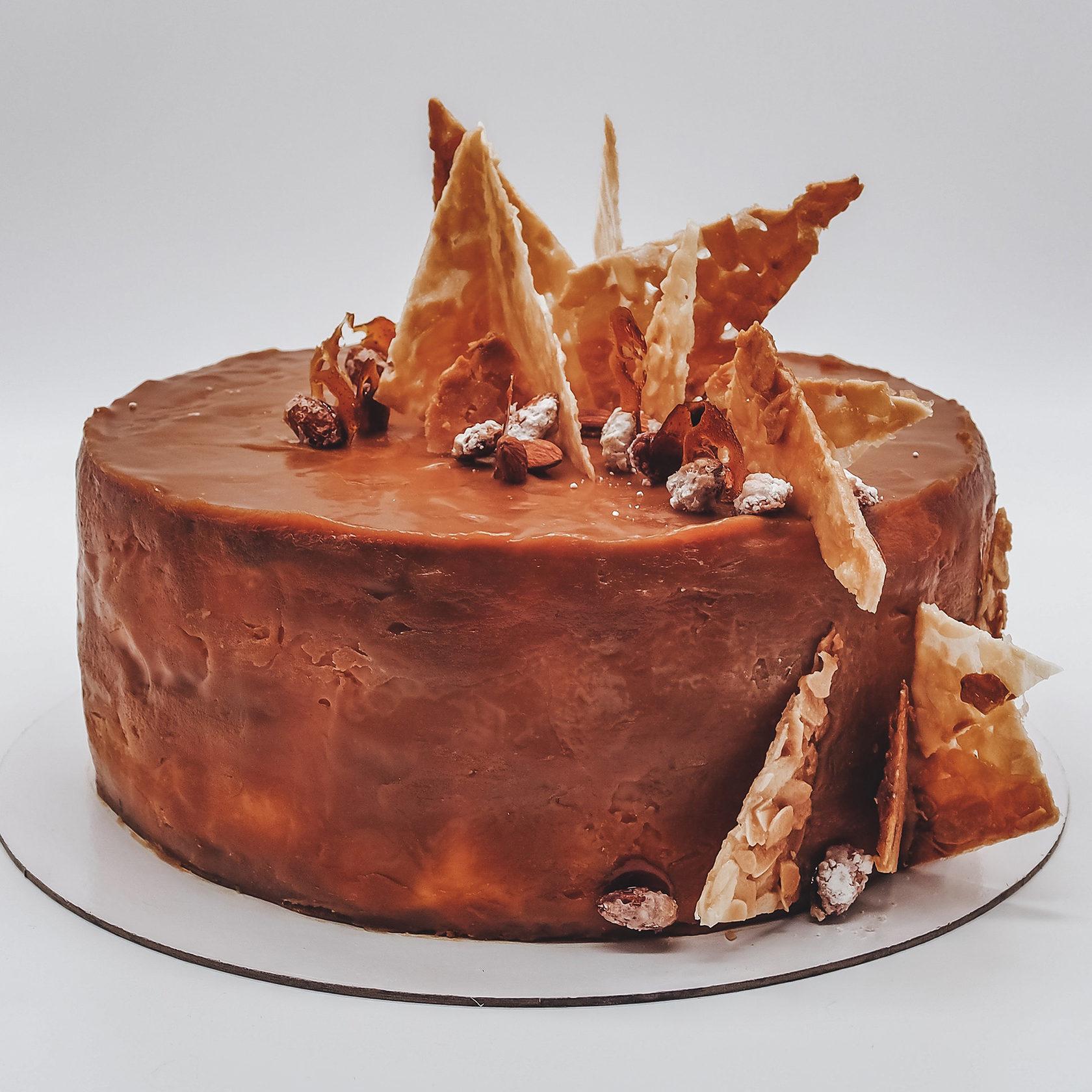 Доставка готовых тортов москва круглосуточно, букет роз