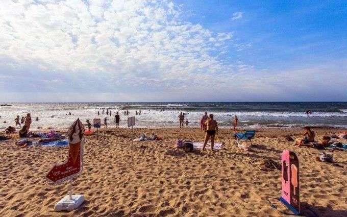 Песчаный пляж в Лермонтово