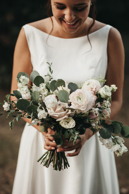 Букет картинки, асимметричный свадебный букет