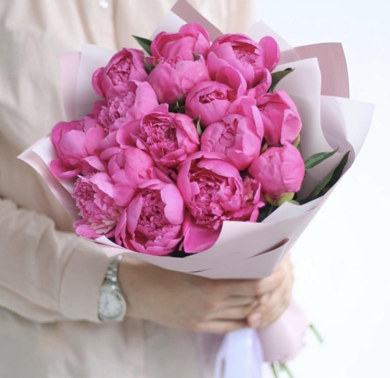Цветок, букет из 33 пионов купить киев