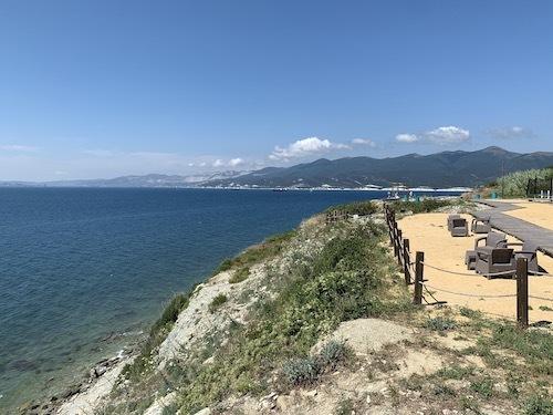 в глэмпинг у Черного моря в июне