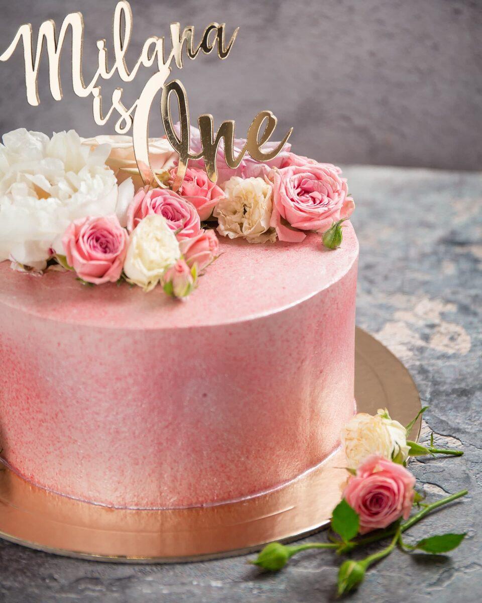 Торт на день рождения девушке с цветами