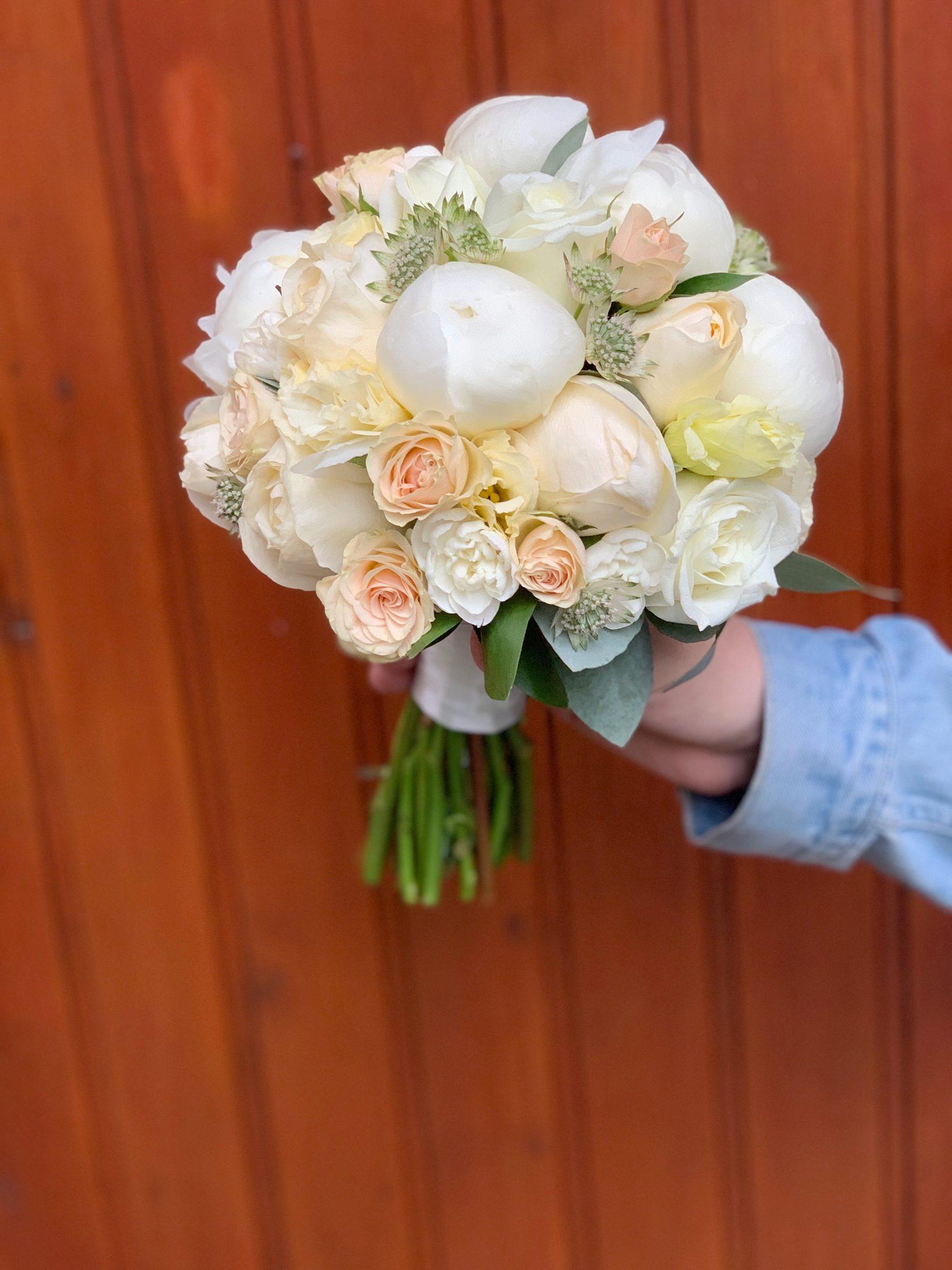 Сызрань цветы букет невесты, лилии розы