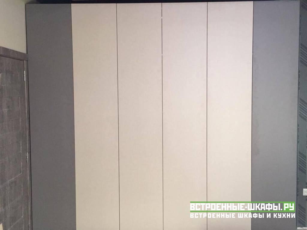 Шкаф гармошка встроенный в нише детской комнаты