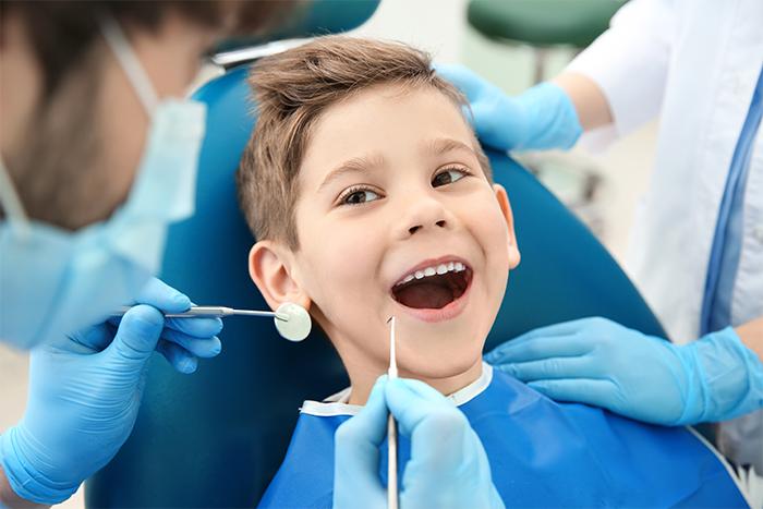Почему выгодно воспользоваться услугами проверенной детской стоматологии?