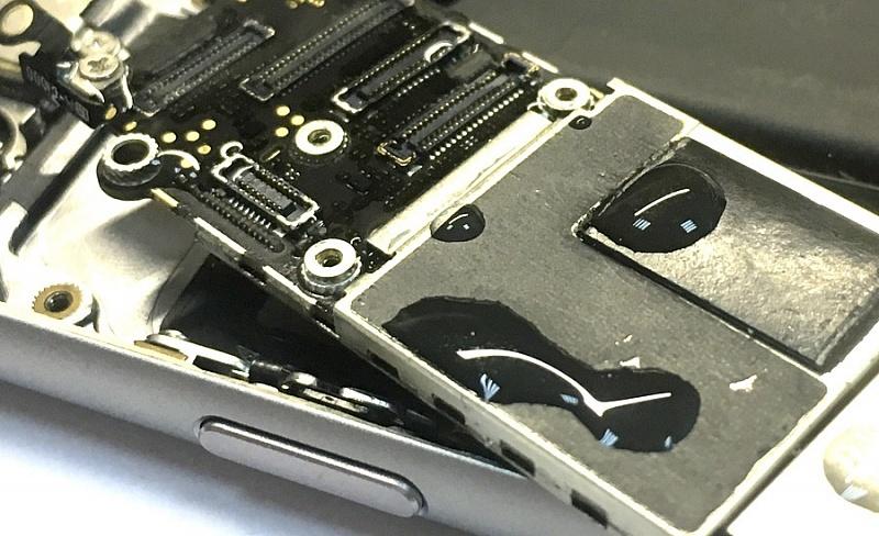 попала вода на в iphone в алматы чистка