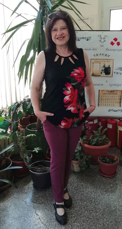 Дамска туника с цветя - топселър на Ефреа.