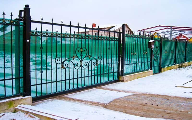Откатные ворота с поликарбонатом