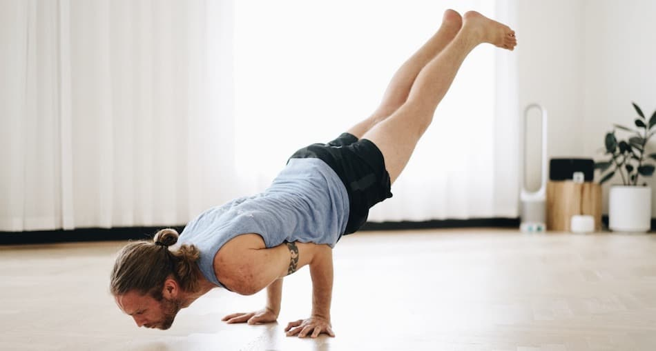 Елена Попович йога