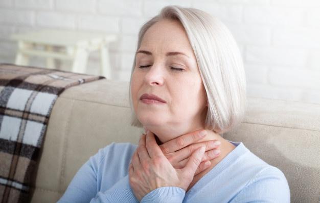болит горло от стресса