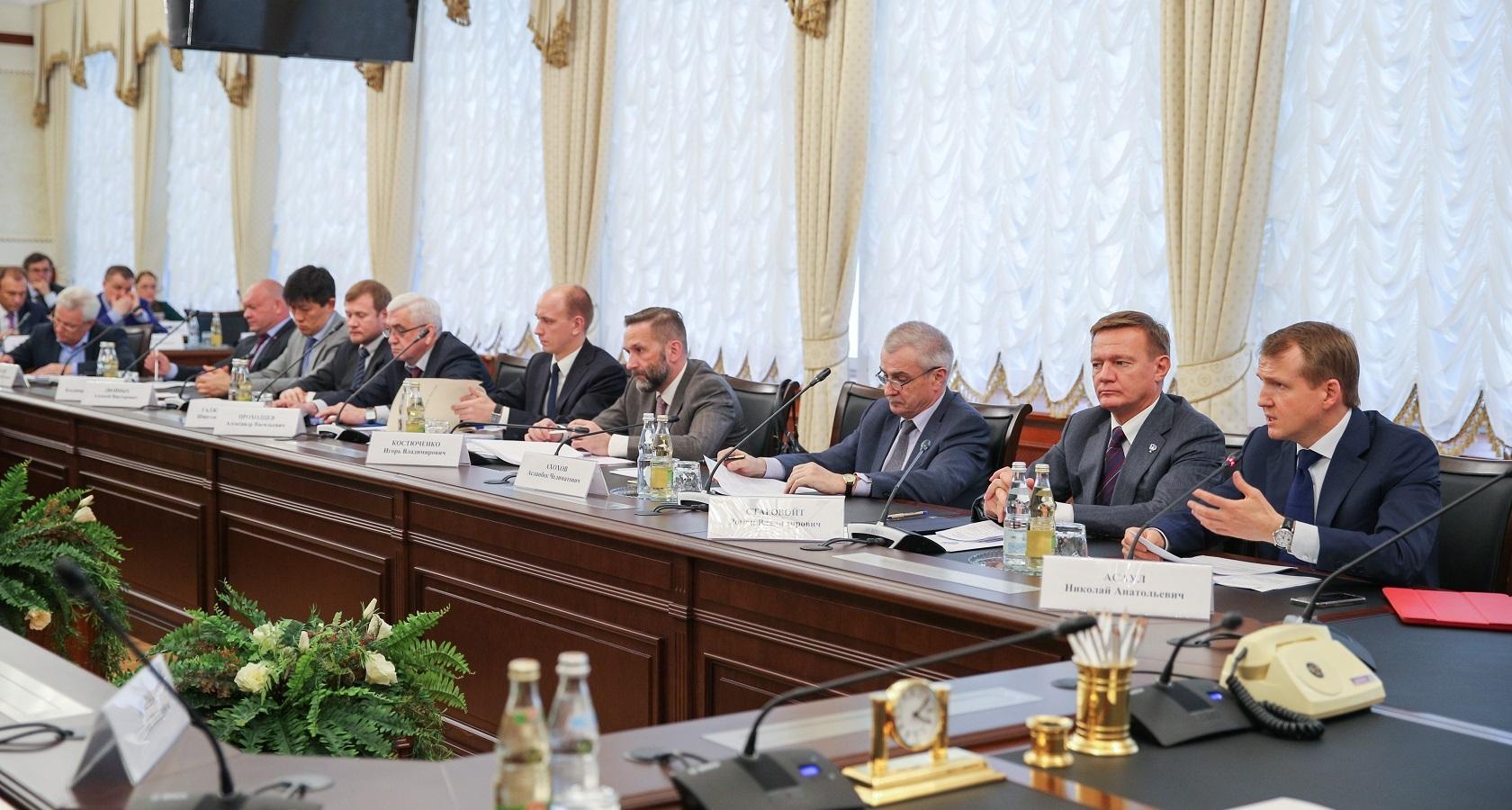 Важным событием 2017 года стало начало работы Межотраслевого экспертного совета (МОЭС) в тесном контакте с Министерством транспорта России (фото: Минтранс)