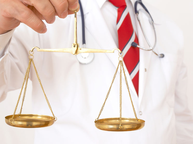 работа медицинский юрист